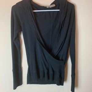 Athleta Black Hoodied Sweatshirt with Thumbholes